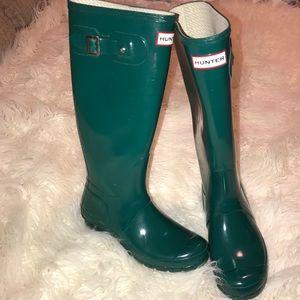 HUNTER green boots size 6M/7F original gloss